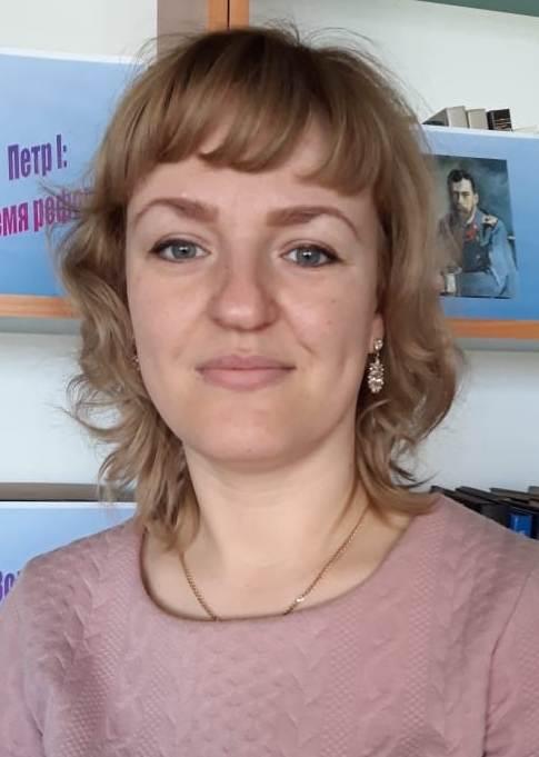 Ильинская Мария Викторовна : учитель английского языка первой квалификационной категории